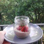 Czekoladowy deser z nasionami chia.